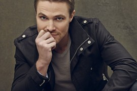 Stephen Amell of 'Arrow' Cast as Casey Jones in 'Teenage Mutant Ninja Turtles 2′